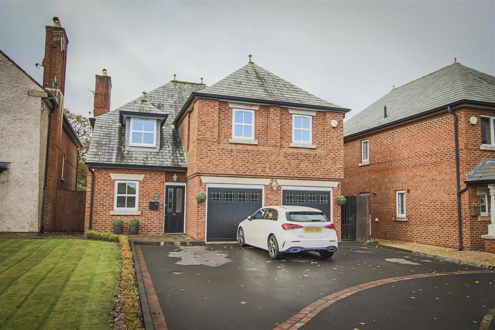 4 Bedroom Detached House For Sale - Front Elevation